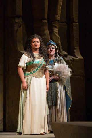 Aida: Liudmyla Monastyrska  i Amneris: Olga Borodina
