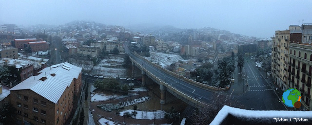 Nevada a Barcelona 23:02:2013 - paisatge nevat a Vallcarca a les 8 del mati-imp