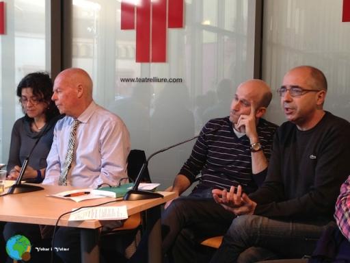 el professor Ron Jones - Marc Montserrat (director de l'obra) i Xavier Casals