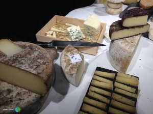 Tast de formatges - espai Kru 26-imp