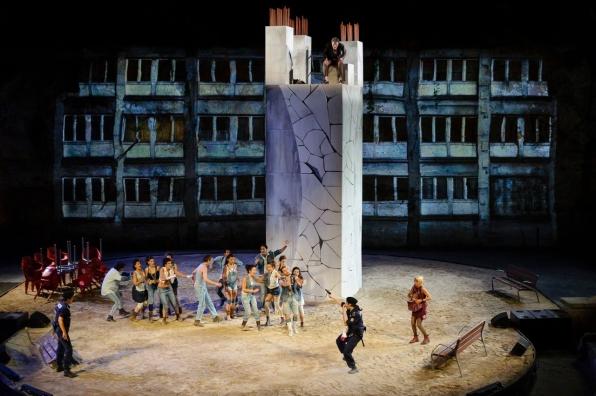 Bartolome encadenado - Grec2014 - fotografia de Josep Aznar 04-imp