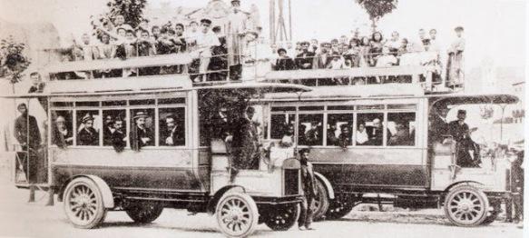 El primer servei d'autobusos de Barcelona