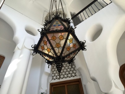 escala principal torre Bellesguard - 1
