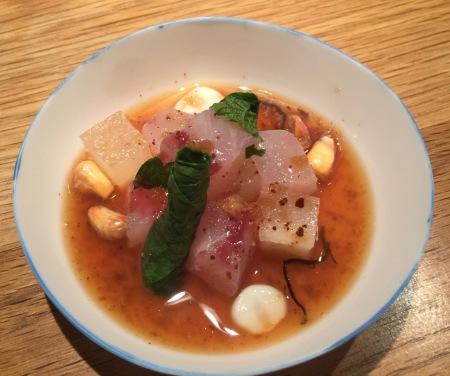 Tàrtar de ventresca de tonyina amb xips de iuca