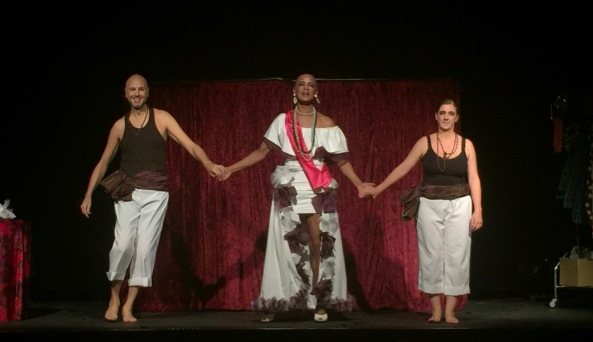 de-la-miss-a-la-mitad-almeria-teatre-voltar-i-voltar-2