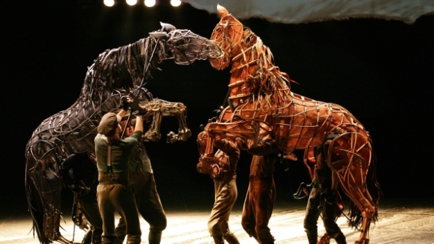 war-horse-national-theatre-1