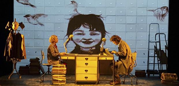 LA NENA DELS PARDALS - Teatre al detall 1